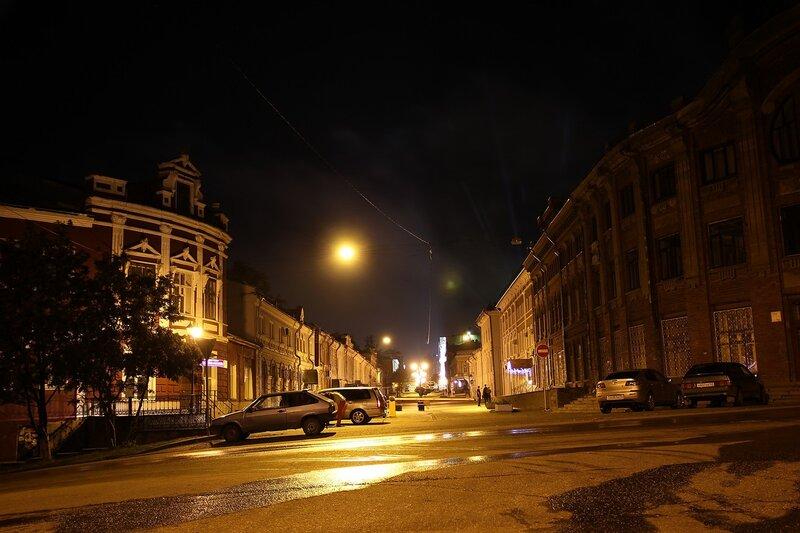 Перекресток ул. Спасской и Казанской, справа - училище искусств IMG_7714