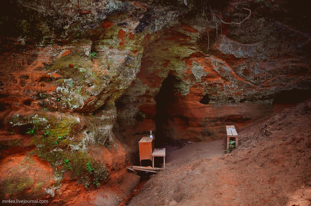 Пещеры на реке Грязна, Рождествено, Источник с серебряной водой