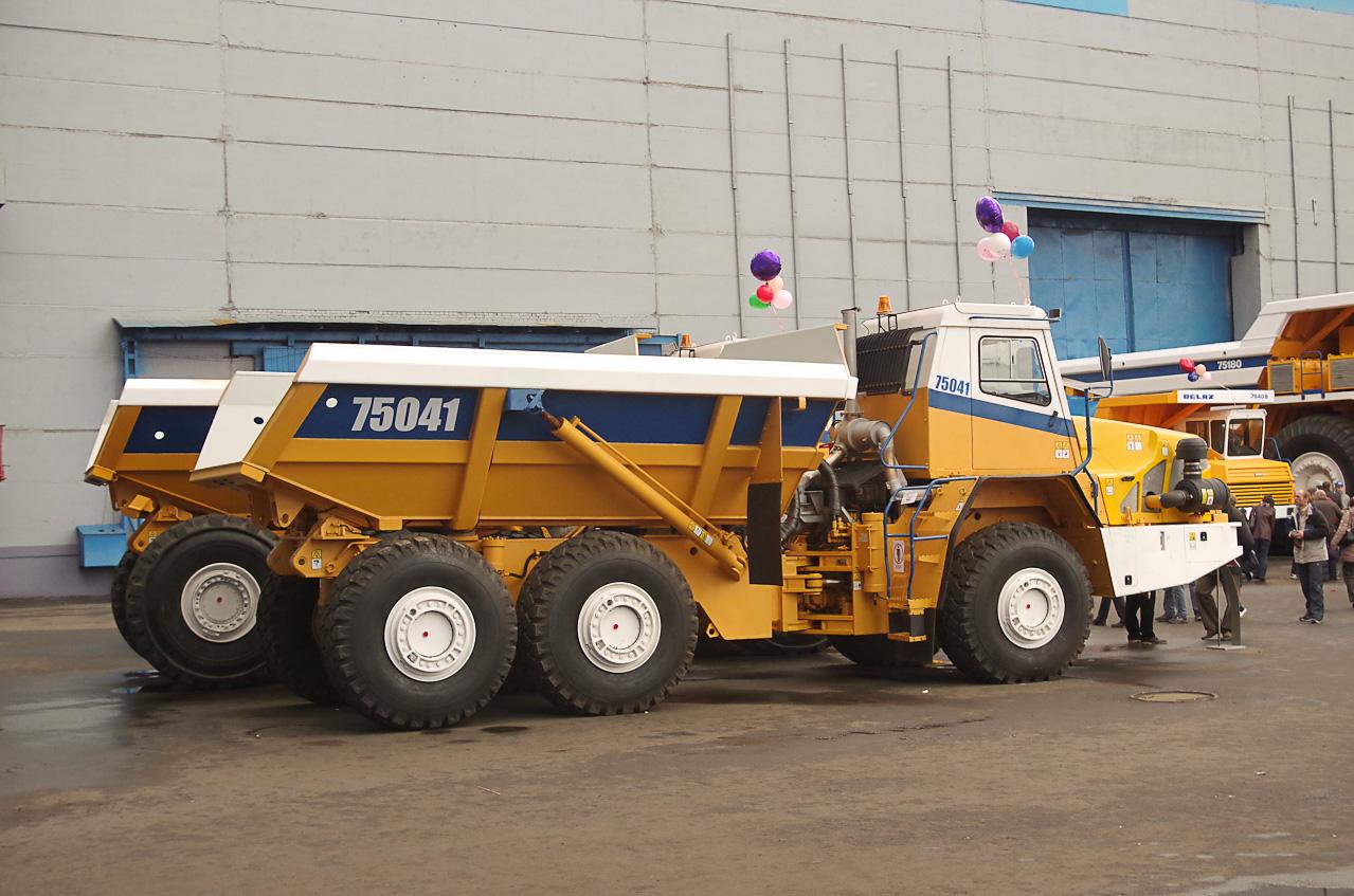 0 92893 544ca198 orig Как делают гигантов    БелАЗы.