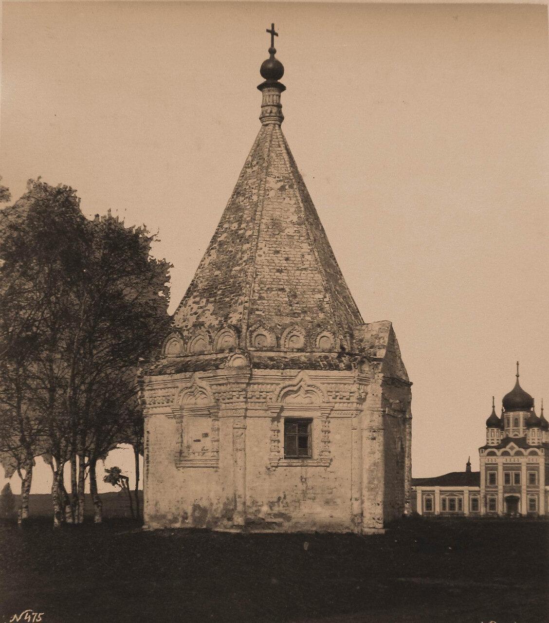 Вид часовни вблизи Никитского мужского монастыря (построена в XVII в.в память заключения мира между переяславцами и суздальцами)