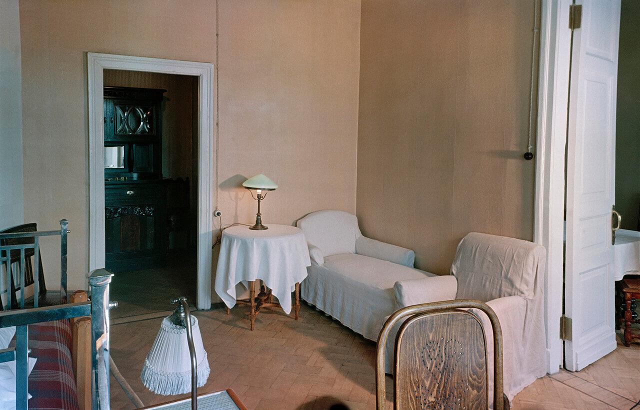 Уголок в комнате Ильича