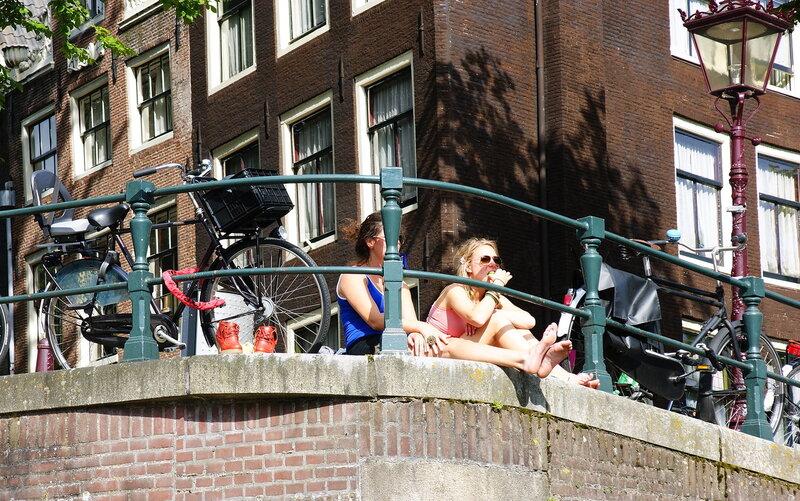 На улицах Амстердама