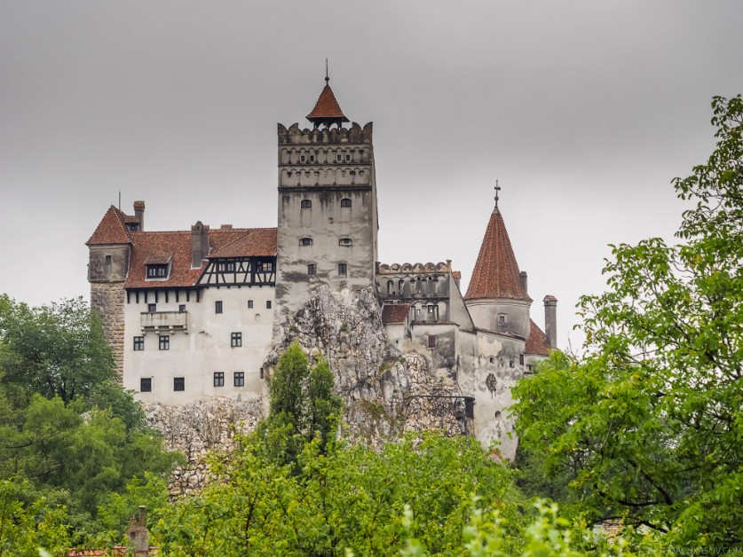 4. В действительности, владыка Валахии провел в этом замке лишь несколько дней, находясь в плену (хо