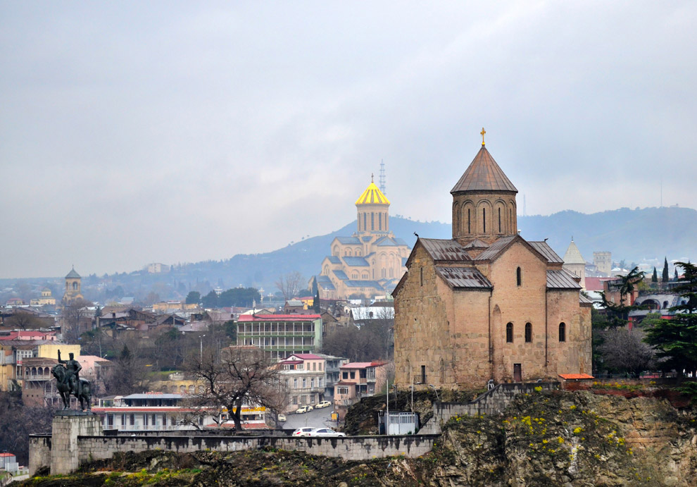 5. Абанотубани — квартал в центре Тбилиси, известный своим комплексом бань, стоящих на сернистых ист