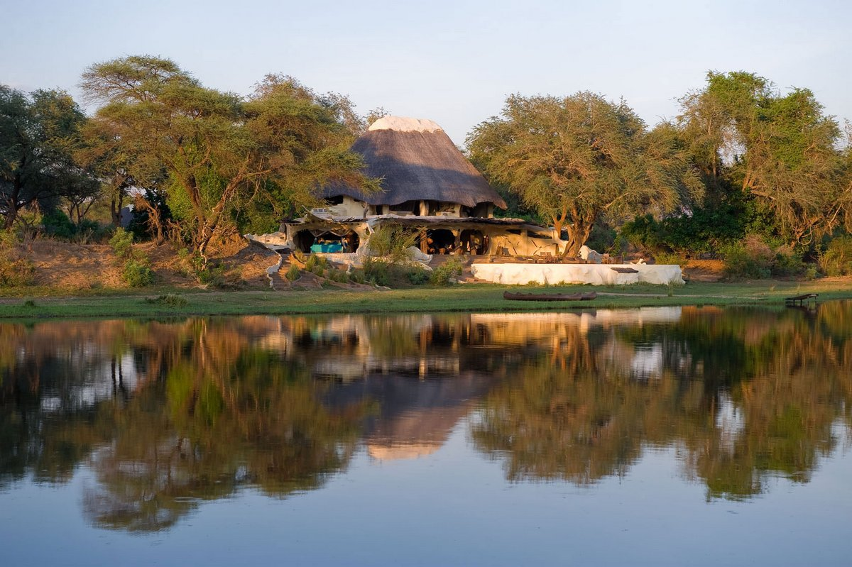 Chongwe River House, отель Замбия, сафари в Замбии, вилла в аренду, дом посреди дикой природы, вилла на берегу реки
