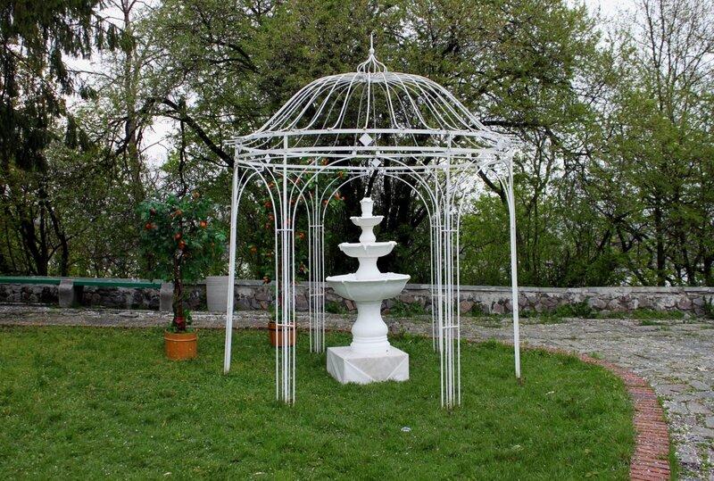 Парковая инсталляция