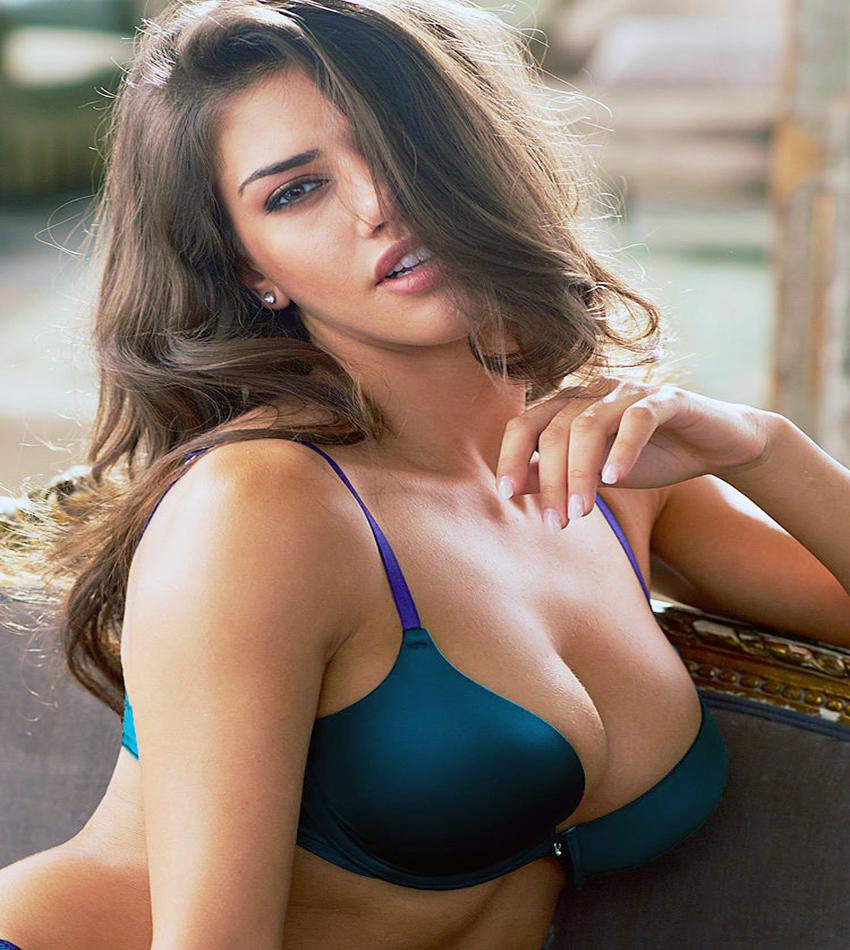 Girls, Girls, Girls: Nicoleta Vaculov