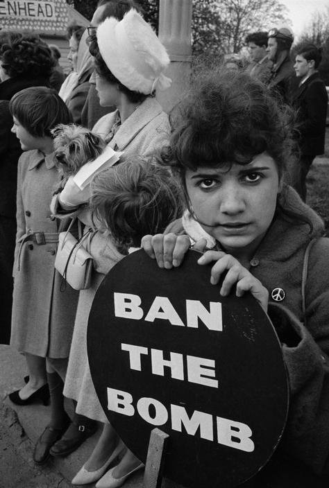 ENGLAND. Ban the Bomb Aldermaston march. 1960.