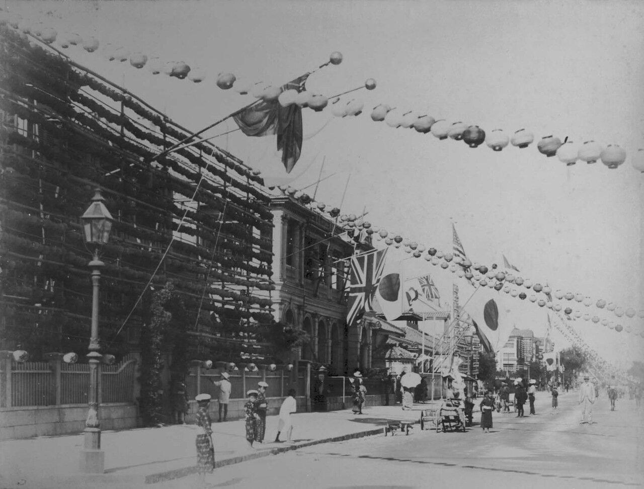 1897. Улица в Кобе, украшенная по случаю бриллиантового юбилея королевы