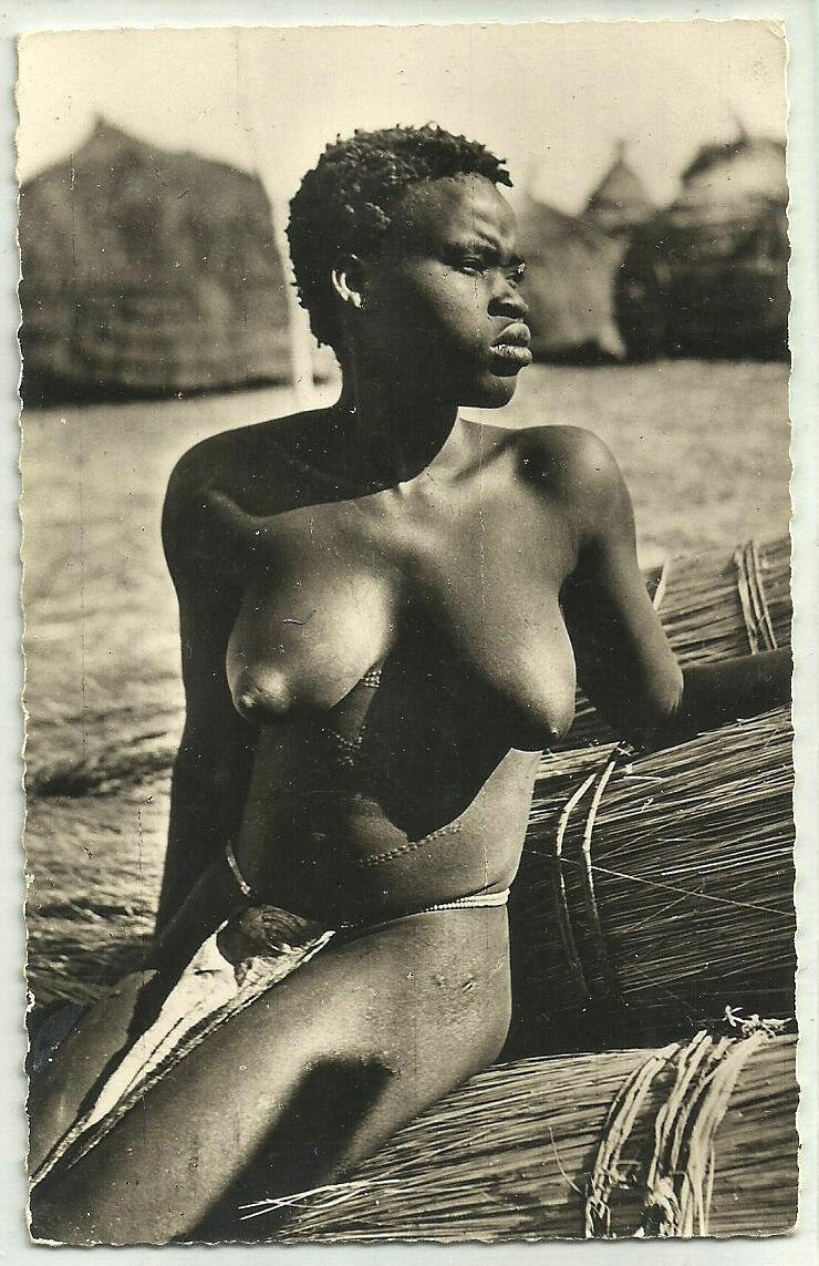 Девушка из Французской Экваториальной Африки