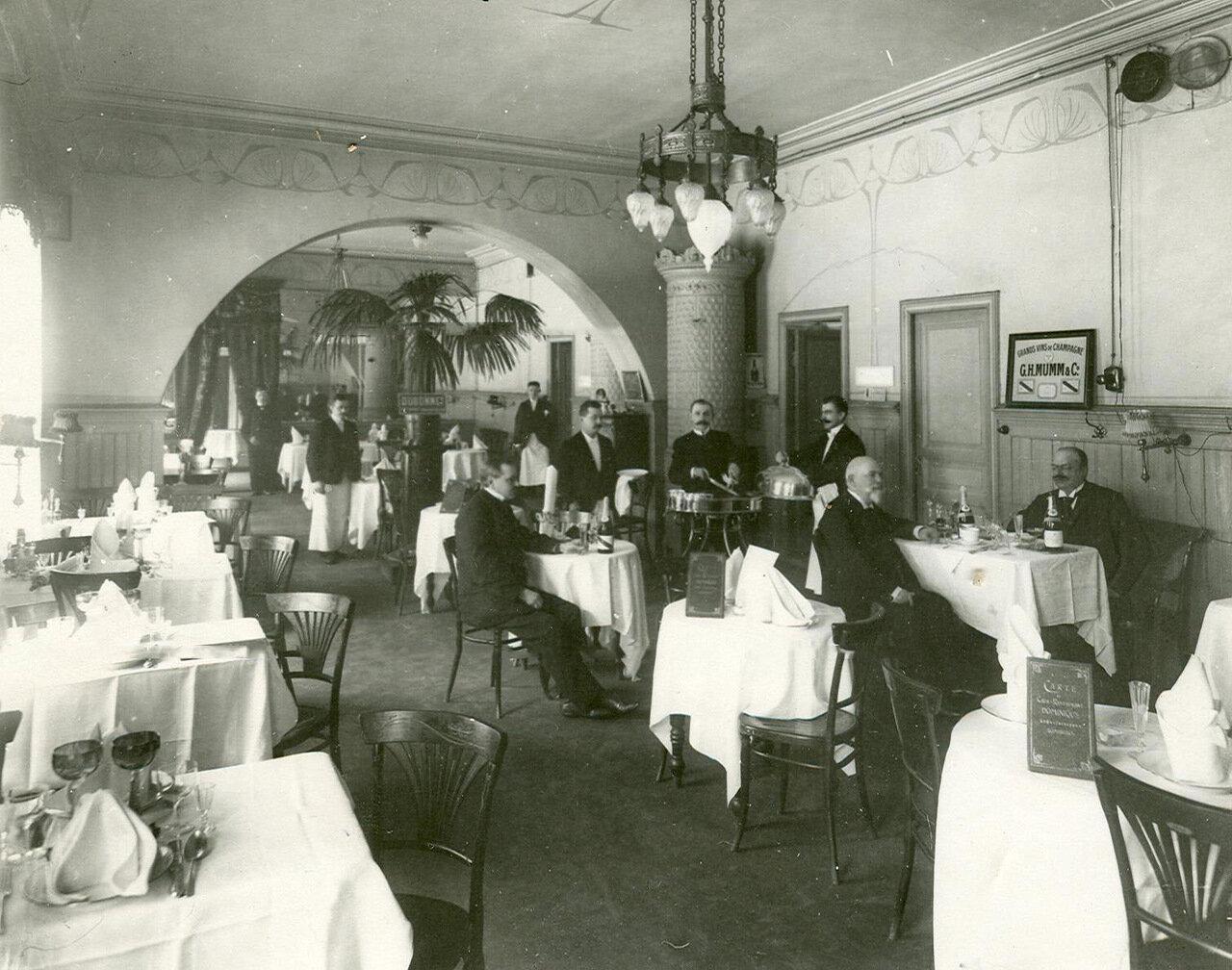 02. Вид зала ресторана