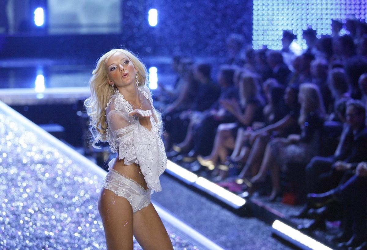 3. 2006 г., бюджет шоу: $10 млн Не самое удачное шоу в истории Victoria's Secret. Его посмотрели «вс