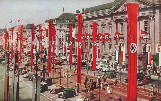 Вид на Берлин за несколько лет до начала Второй мировой войны.