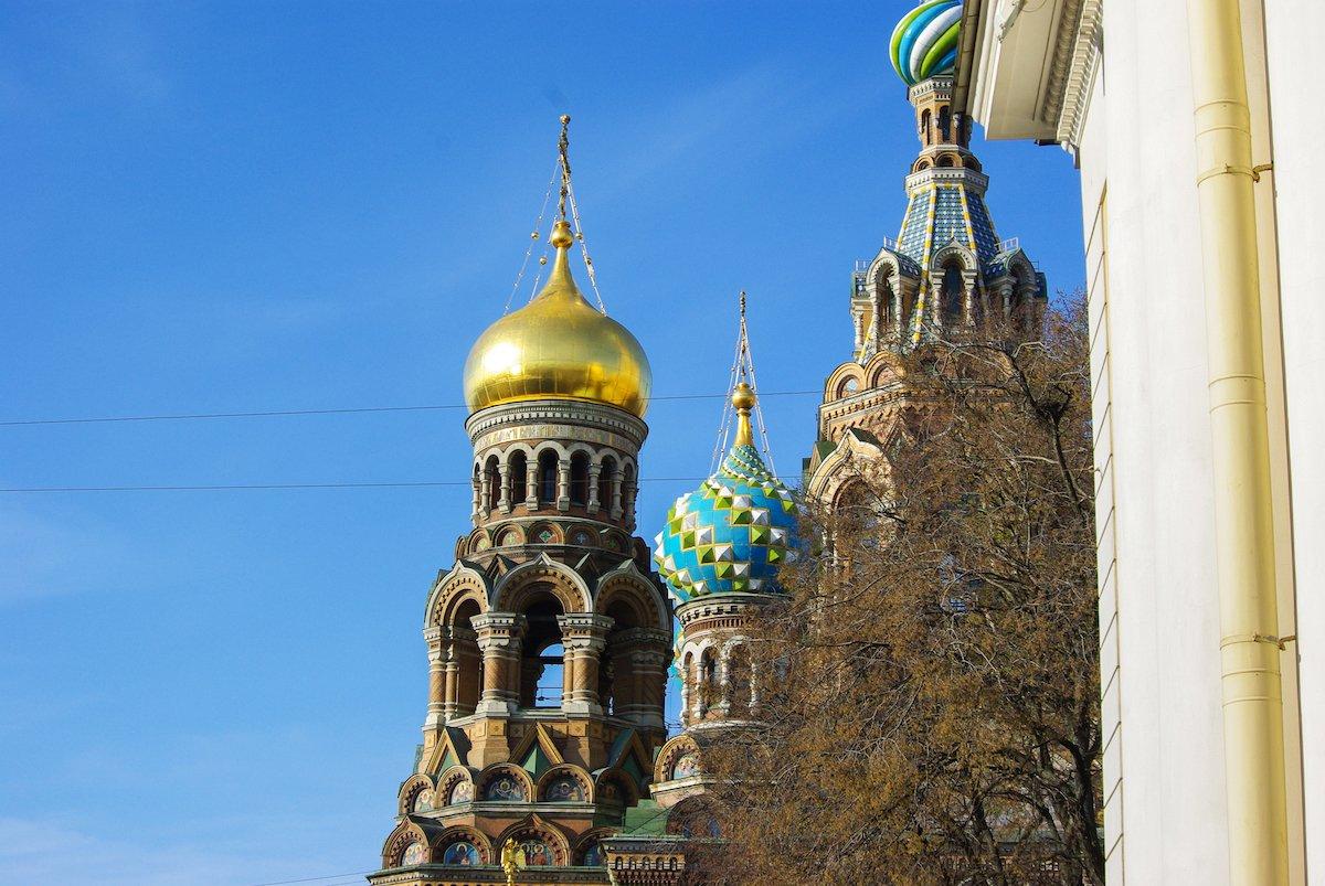 Храм Спаса-на-Крови построен на том самом месте, где император Александр II был убит в 1881 году.