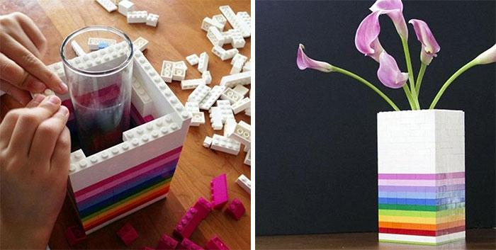 Яркая ваза для цветов.