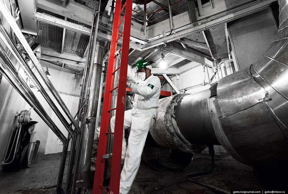 10. Ядерный реактор. Температура воды на входе в реактор равна 289 °C, на выходе — 320 °C. Цирк