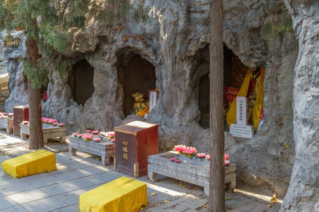 Монастырь Сянцзе-сы, Бадачу