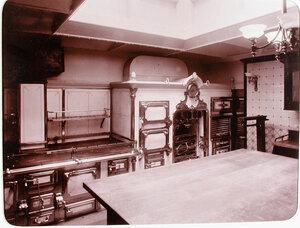 Вид части камбуза, оборудованного на яхте Штандарт.