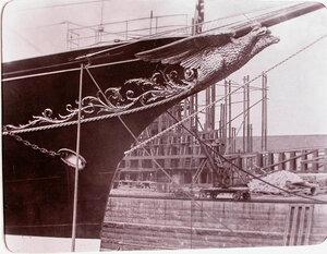 Вид носовой части яхты Штандарт.