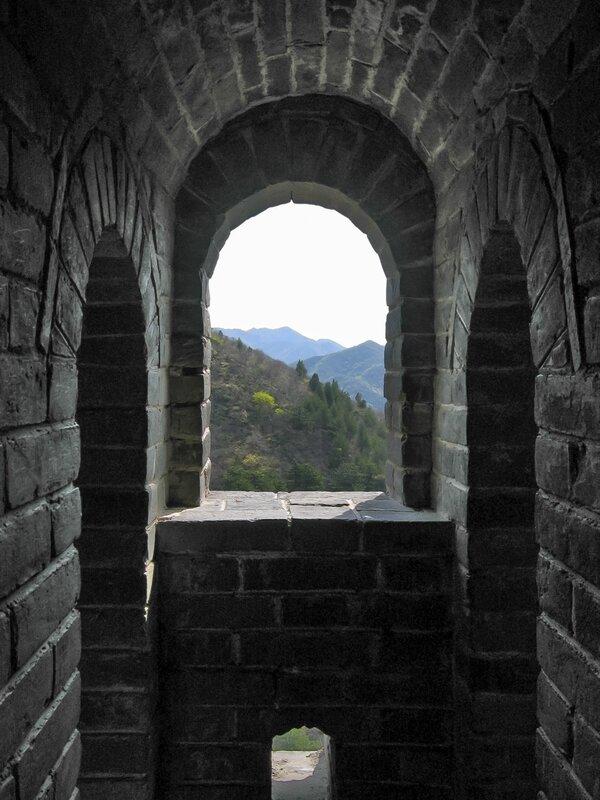 Окно в Сигнальной башне, Великая китайская стена, Бадалин