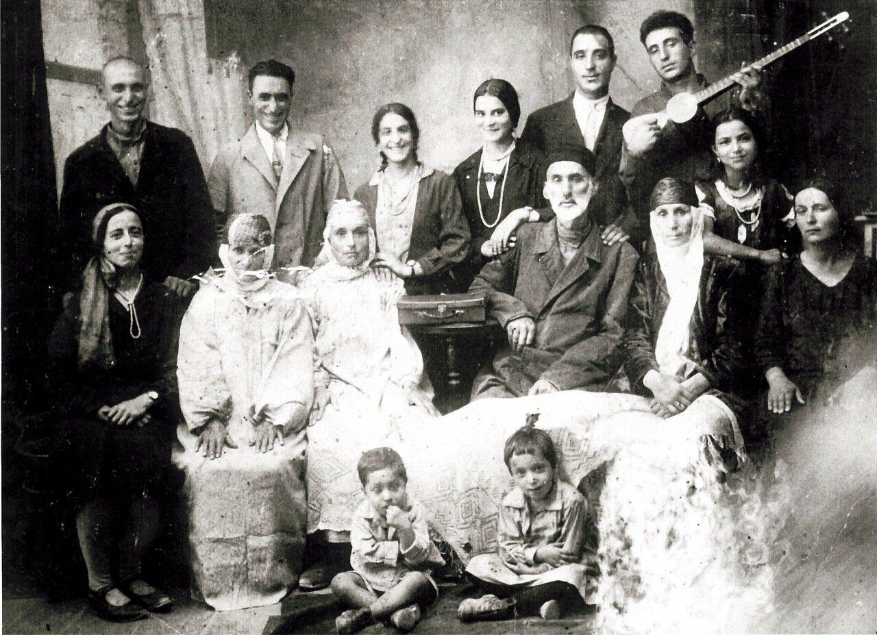 Семья Аминав, Ташкент, 1919