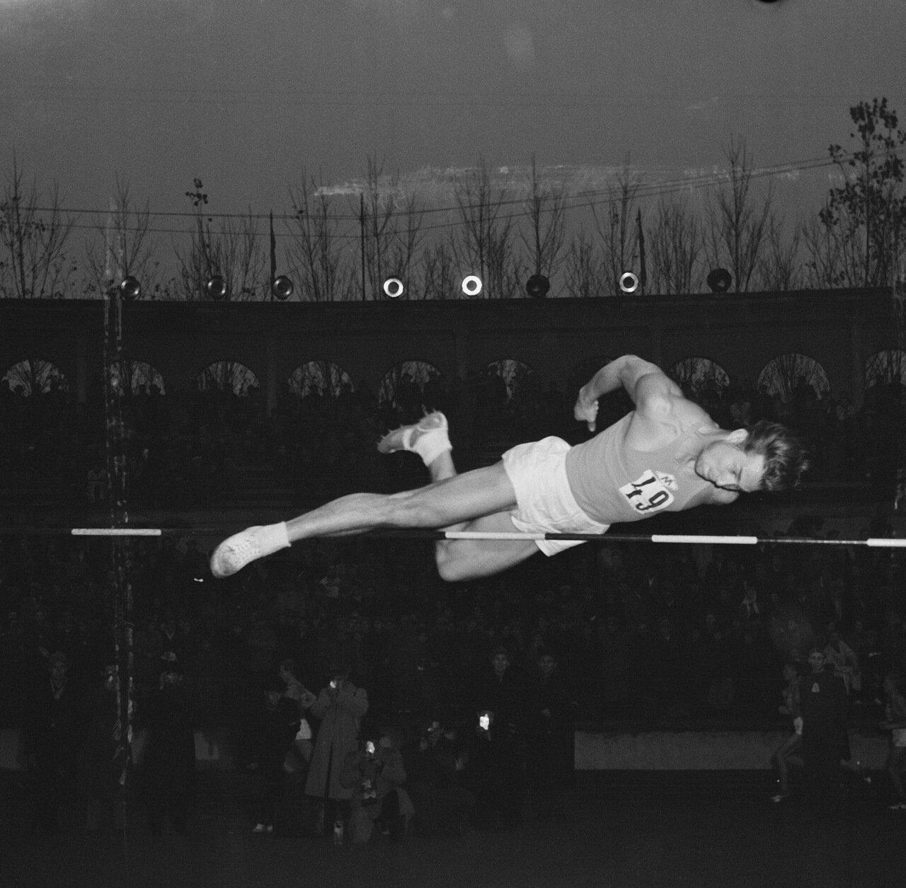 Дегтярев, прыжок в высоту