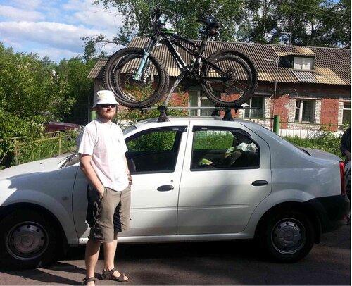 Машина с велосипедами