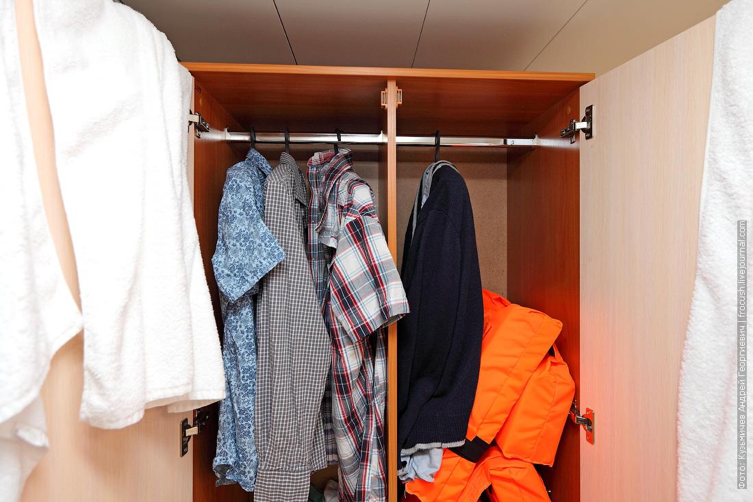 шкаф в каюте №76 теплохода Русь Великая