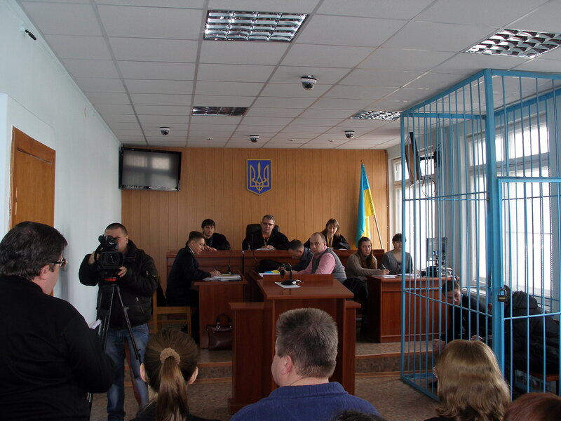 Жовтневый суд город Луганск