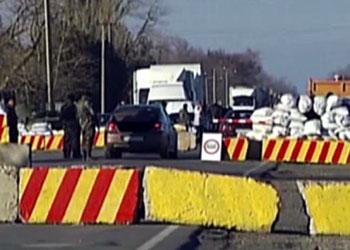 Движение транспорта на границе Крыма с Украиной полностью восстановлено
