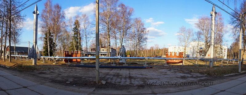 Памятник Ленину под охраной зенитных ракет в городке ПВО, Рузский район Московской области