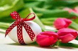 Кулич,крашеные яйцаитворожнаяпасха - символы пасхального стола