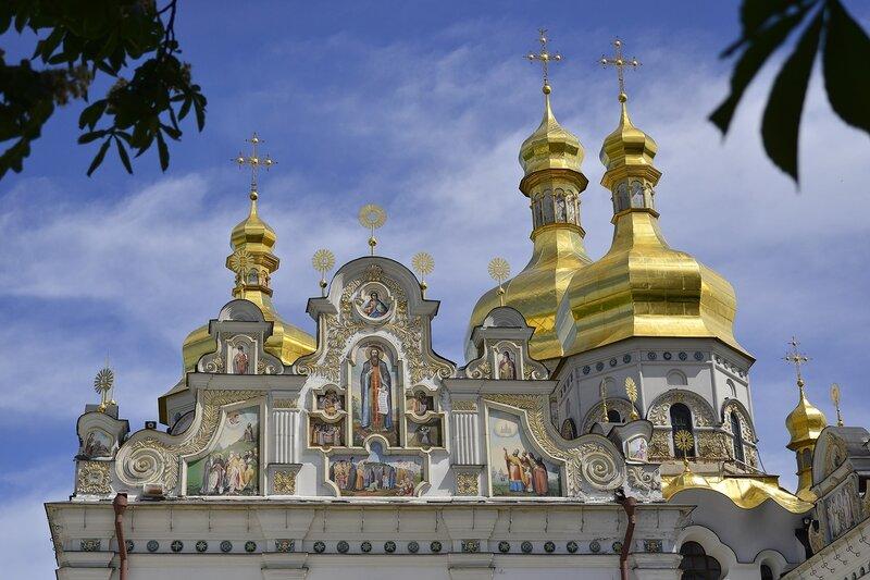 Восстановленная красота: купола и росписи Успенского собора