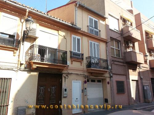 таунхаус в Валенсии, адосадо в Valencia, недвижимость в Валенсии, недвижимость в Испании, таунхаус в Испании, Коста Бланка, CostablancaVIP, не требует ремонта, хороший район, таунхаус на пляже