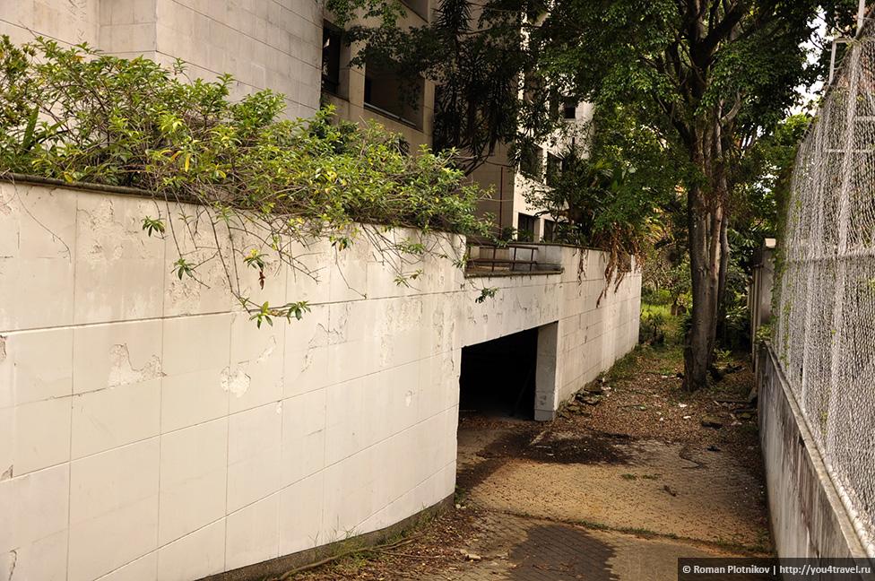 0 14e9de 755870eb orig День 171. Кладбище, где похоронен колумбийский наркобарон Пабло Эскобар, и его дом в Медельине