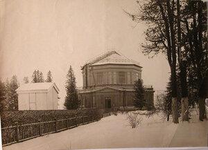 Вид башни, где находился 30-и дюймовый рефрактор астрономической обсерватории.