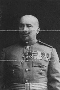 Капитан бригады в кителе (портрет).
