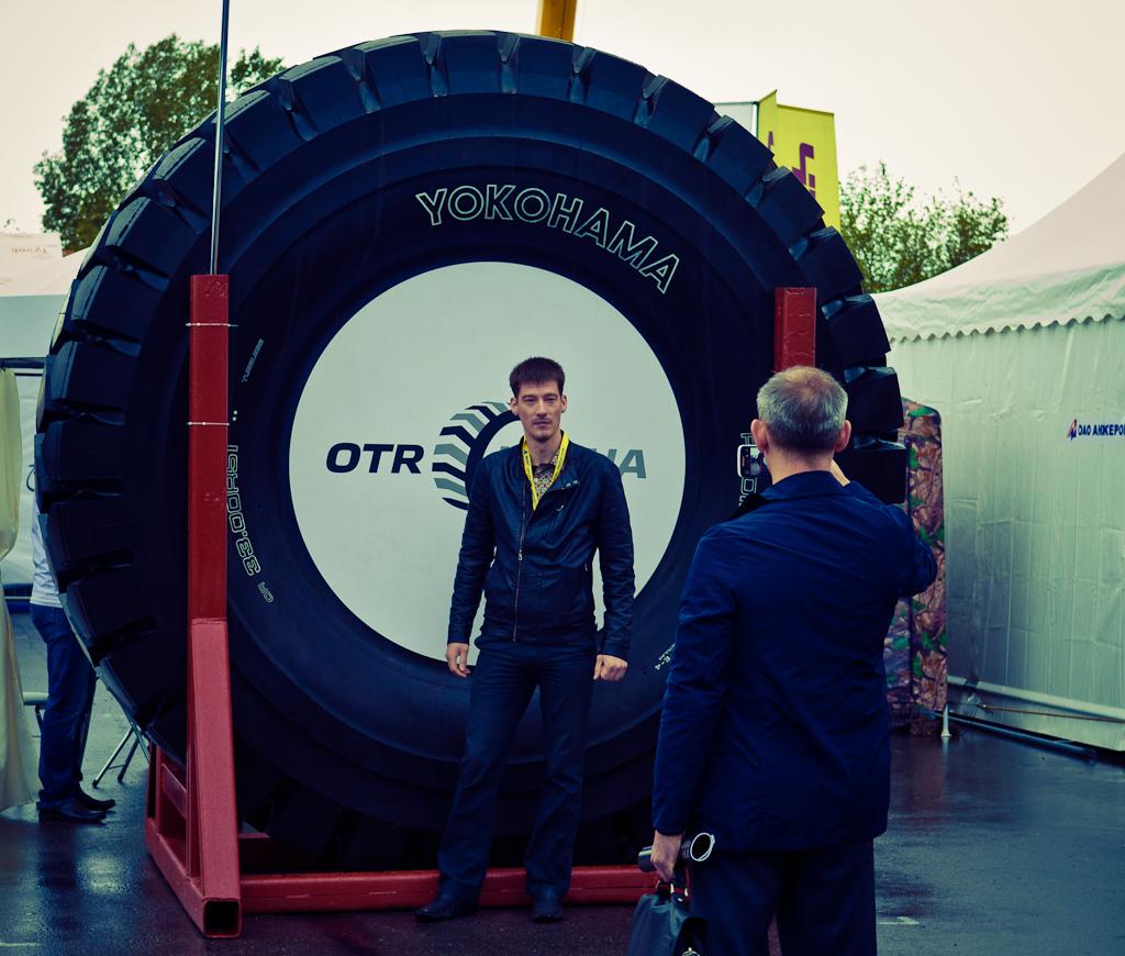 """Фото 3. Небольшое колёсико. Выставка """"Уголь и Майнинг-2014"""" в Новокузнецке."""