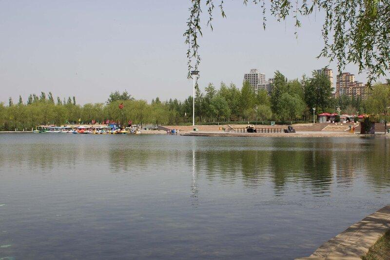 пруд и парк в Шулинчжао (Shulinzhao)
