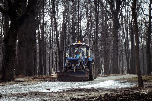 Пора весенних тракторов
