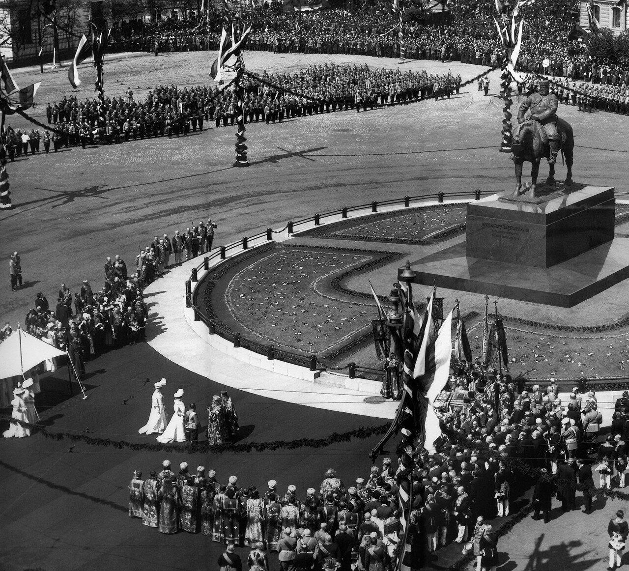 28. Освящение памятника Александру III 28 мая 1909