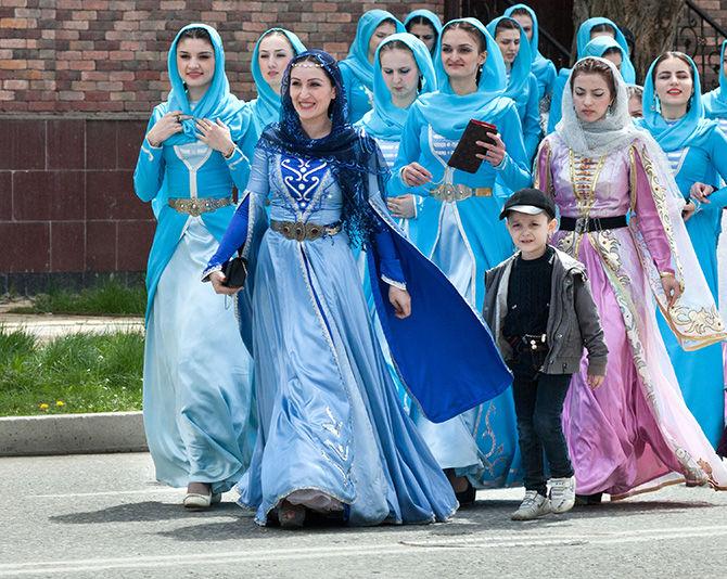 Image result for чеченская девушка и отец фото