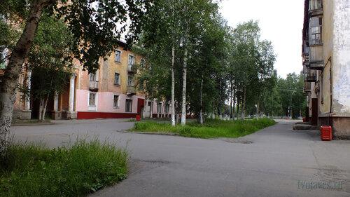 Фото города Инта №5403  Полярная 12 и 11 02.08.2013_13:12