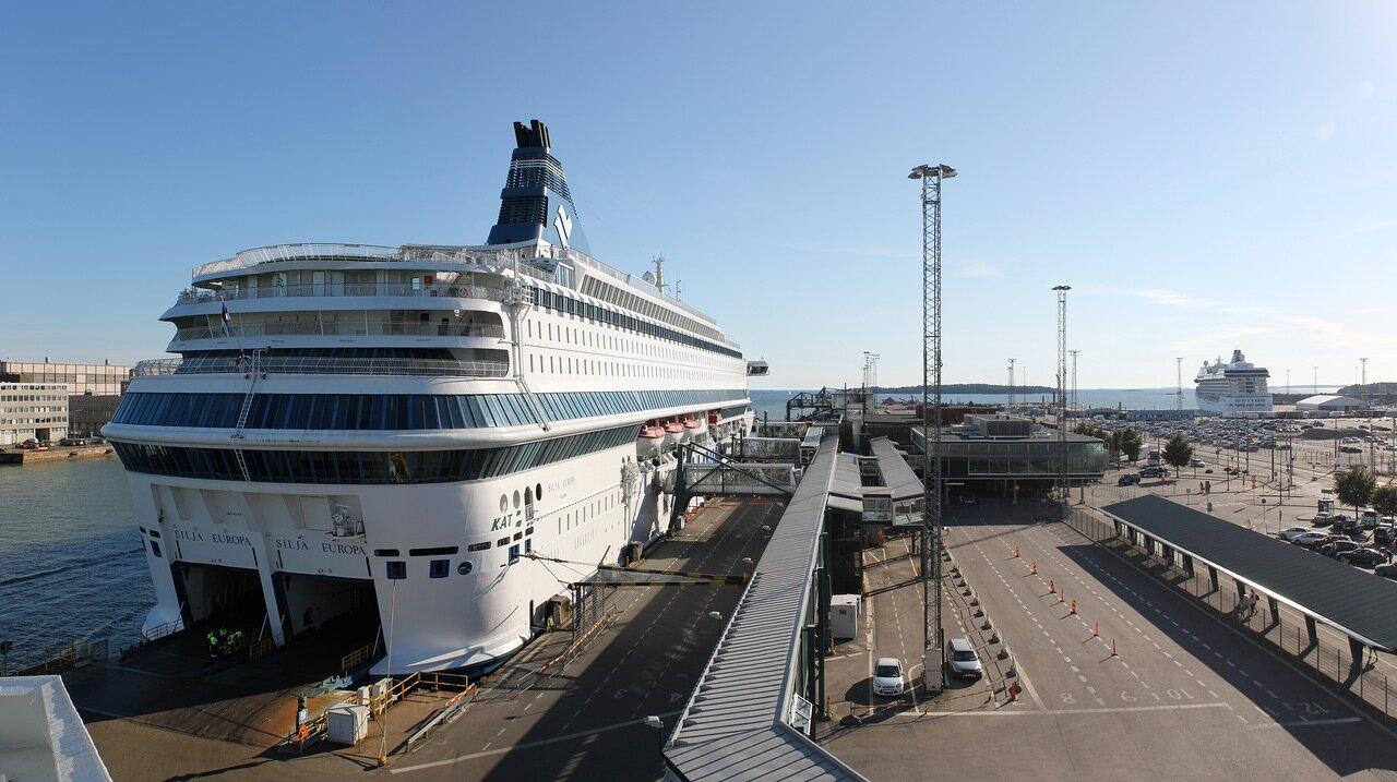 Западный паромный терминал Хельсинки. Паром Европа. Heksinki, Länsiterminaali, Sija Europa ferry