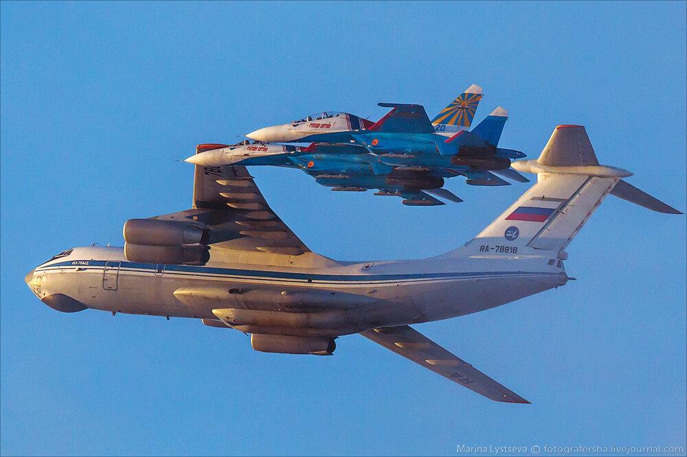 """Escuadrilla acrobatica """"Caballeros Rusos"""" 0_bb3a2_f7c4b3d5_XXL"""
