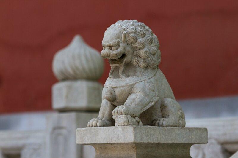 Каменная львица, храм Белого облака, Пекин