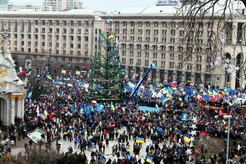 Монтажная площадка главной елки 1 декабря