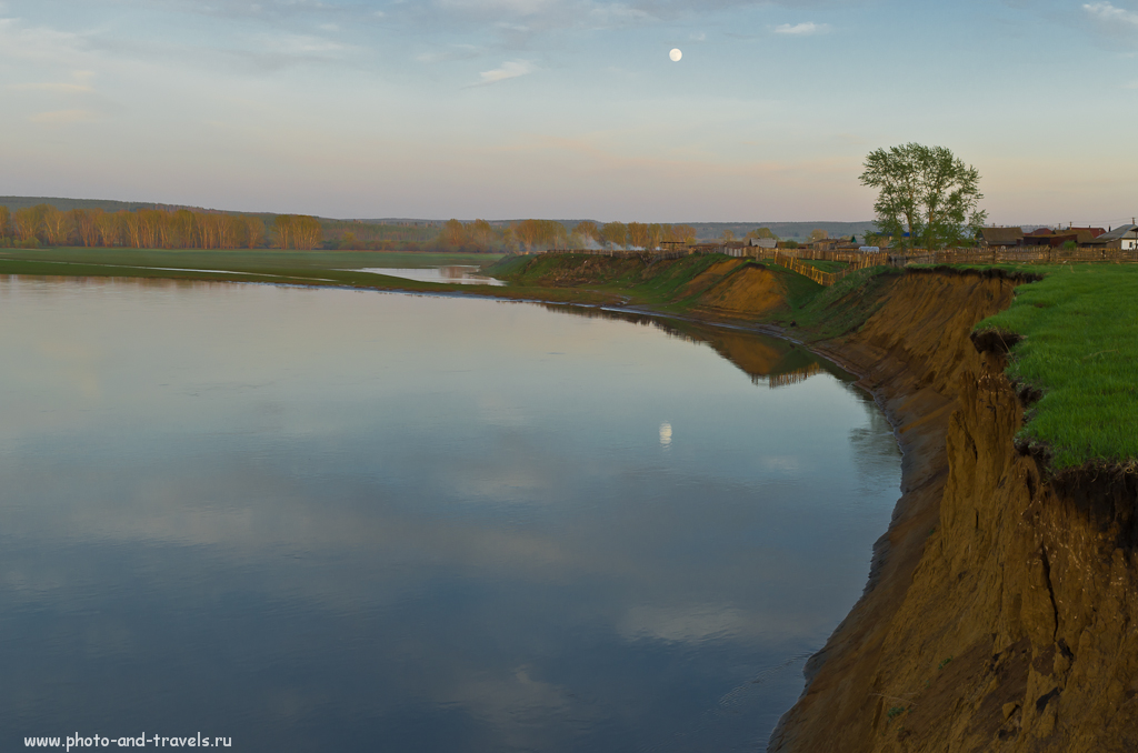 Крутой берег. Тут бы поставить палатку, порыбачить. В Башкирии очень красивая природа. Пожалуй, на Урале - это основной регион для отдыха.