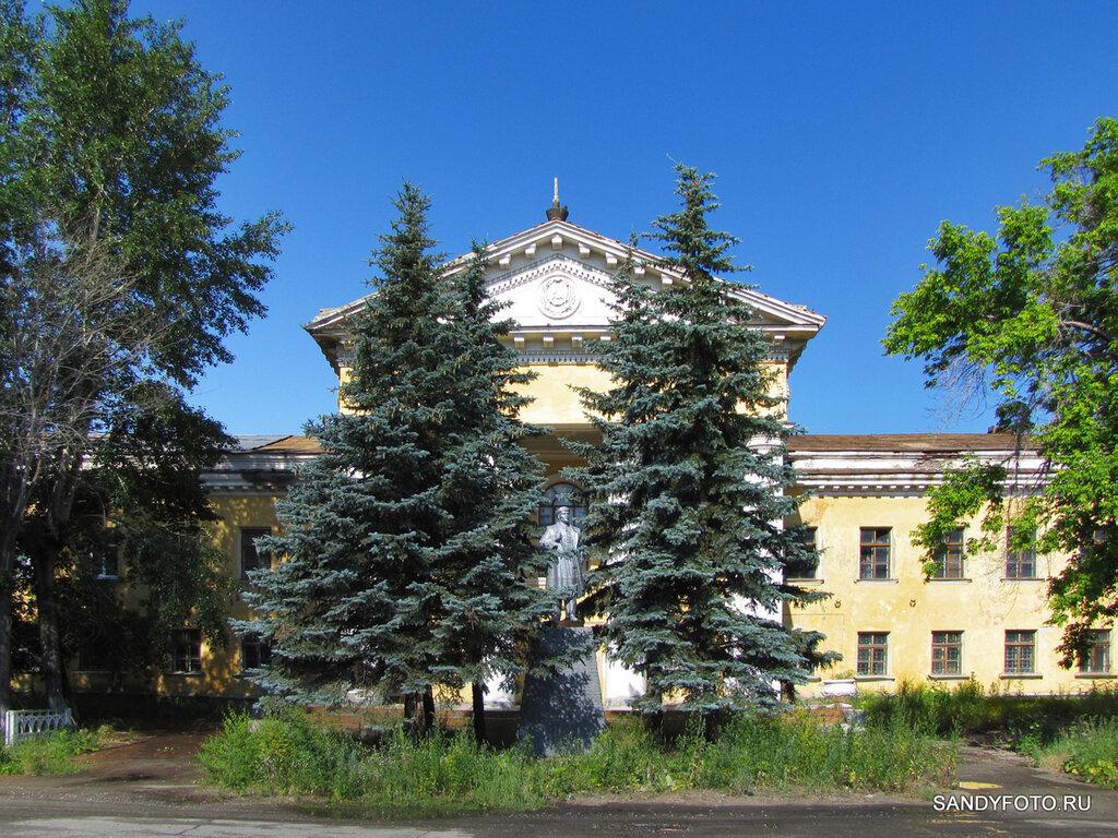 В посёлке Жиркомбинат отреставрировали памятник Ленину