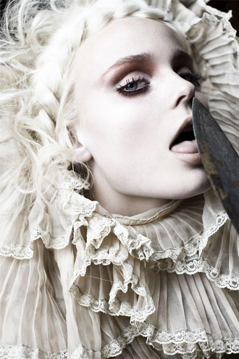 Грустные эротичные -Куклы- / Dolls by Signe Vilstrup for S Magazine
